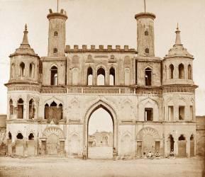 Entrée du petit Imambara (Felice Beato) - Muzeo.com