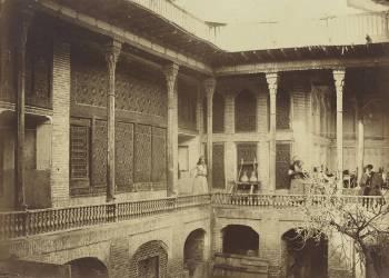 Intérieur d'une maison arabe (Umberto anonyme) - Muzeo.com