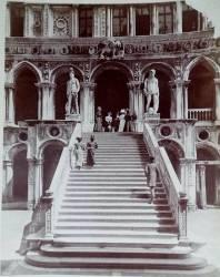 L'Escalier du Palais des Doges (Carlo Naya) - Muzeo.com