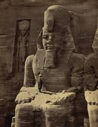 Vue de la sculpture colossale de Ramsès II, Grand Temple d'Abu Simbel (Francis Frith) - Muzeo.com