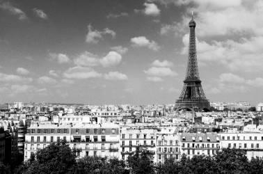 La tour Eiffel vue du toit des Invalides (Umberto anonyme) - Muzeo.com