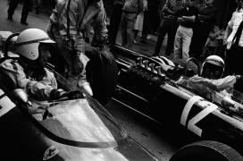 05/19/1966. Yves Montand : Grand Prix de Monaco (REPORTERS ASSOCIES) - Muzeo.com