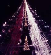 Christmas Traffic (Slim Aarons) - Muzeo.com
