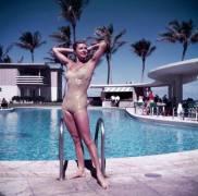Esther Williams In Florida (Slim Aarons) - Muzeo.com