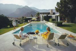 Poolside Gossip (Slim Aarons) - Muzeo.com
