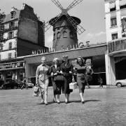 The Parisian Women Late Fifties Illustration (Reporters Associés) - Muzeo.com