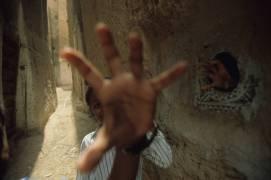 Dans les rues de Shibam, Yémen du Sud (Véronique Durruty) - Muzeo.com