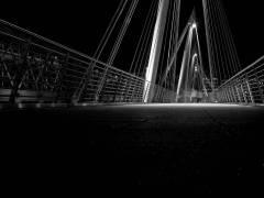 Détail du pont de Hungerford de nuit, Londres (Guttridge Nick) - Muzeo.com