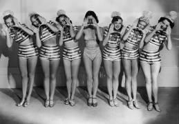 LES EXTRA GIRLS A HOLLYWOOD 1923 (Keystone) - Muzeo.com